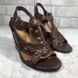Frye Gabrielle T Strap Stud Leather Boho Sandals